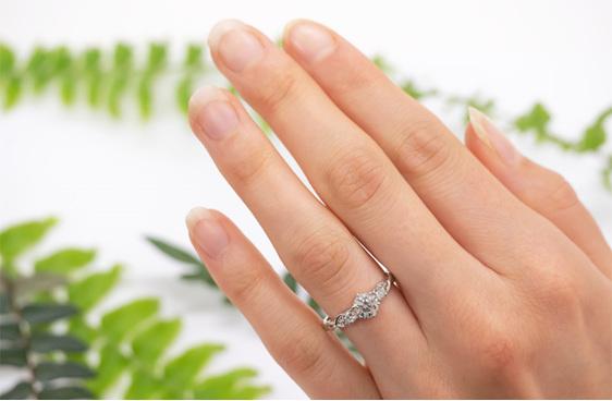 Narrative Cara Three Stone Diamond Ring