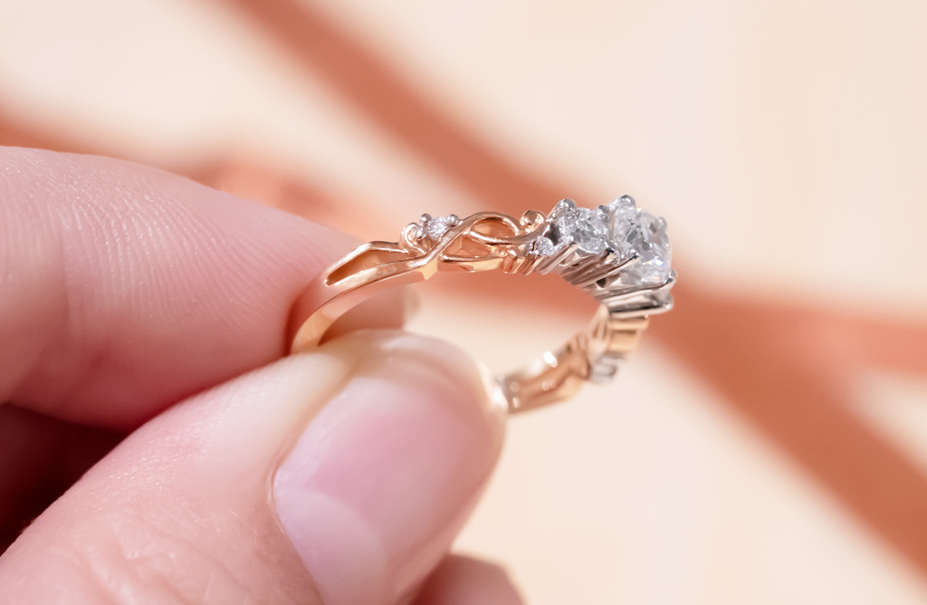 Traces Three Stone in 18ct Rose Gold