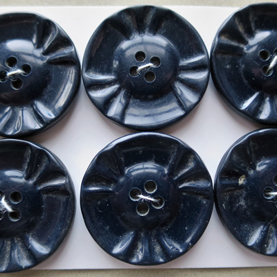 Set of 6 large dark blue buttons