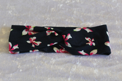 NAVY FLORAL TWIST HEADBAND