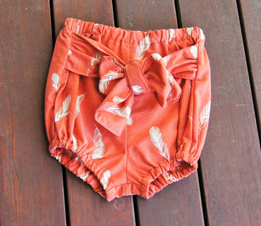 'Neve' Tie Bloomers, 'Feathers Coral' GOTS Organic Cotton, 9-12m