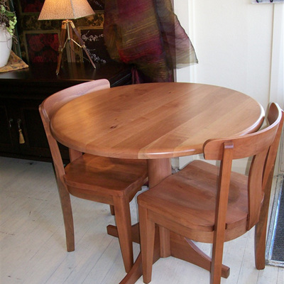 Round Cafe Dining Table