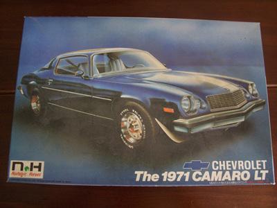 Nostalgic Heroes 1/24 71 Chevy Camaro LT