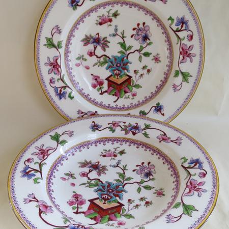 Pair soup plates