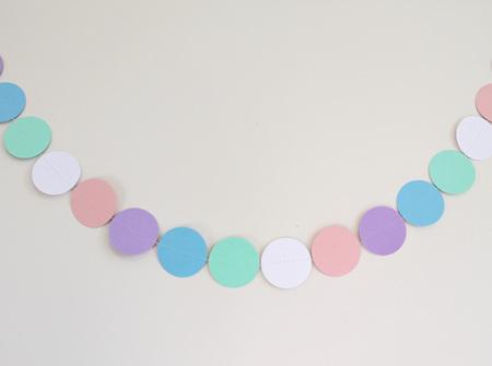 Pastel circle garland
