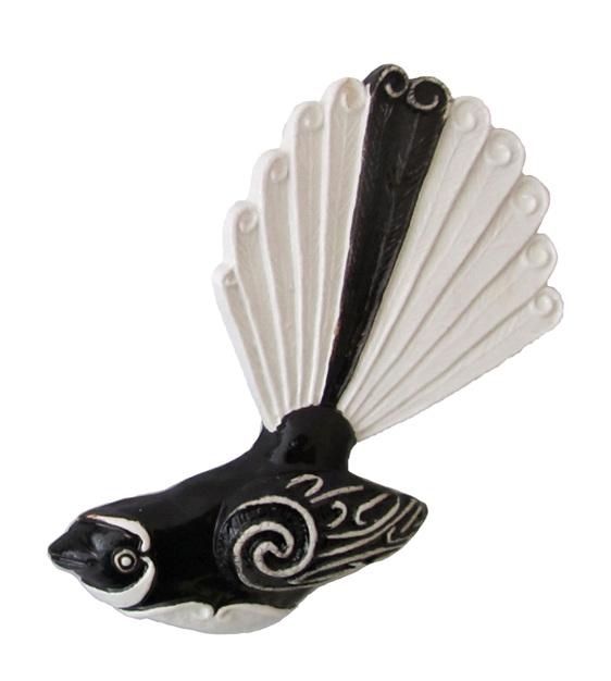 PB87 Ceramic Fantail facing left