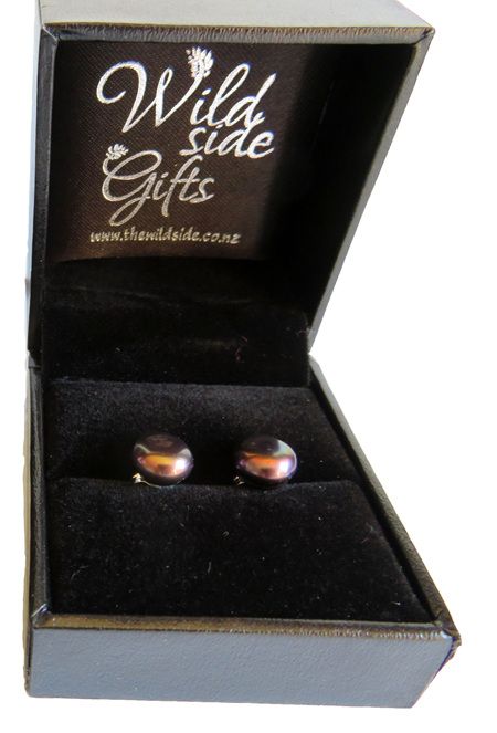 PE08 Medium black freshwater pearl stud earrings