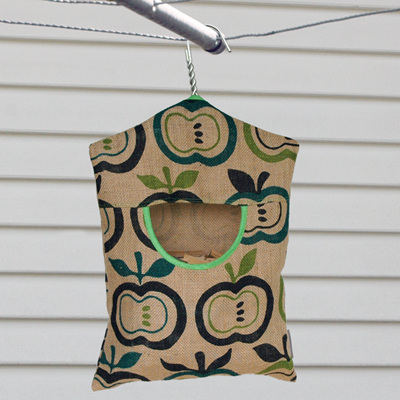 peg pouch | hessian green apples : bright green trim