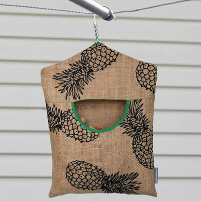 peg pouch | hessian pineapples