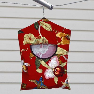 peg pouch   hummingbird
