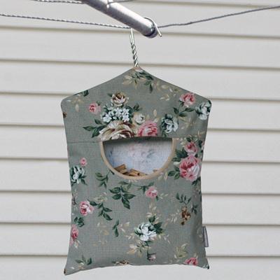 peg pouch | floral vintage green