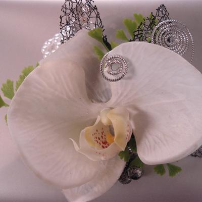 Phalenopsis orchid bracelet corsage