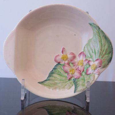 Pink tone pin dish embossed flower