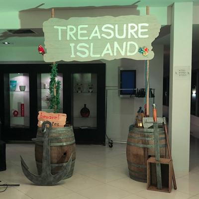 Treasure Island / Pirate Entrance