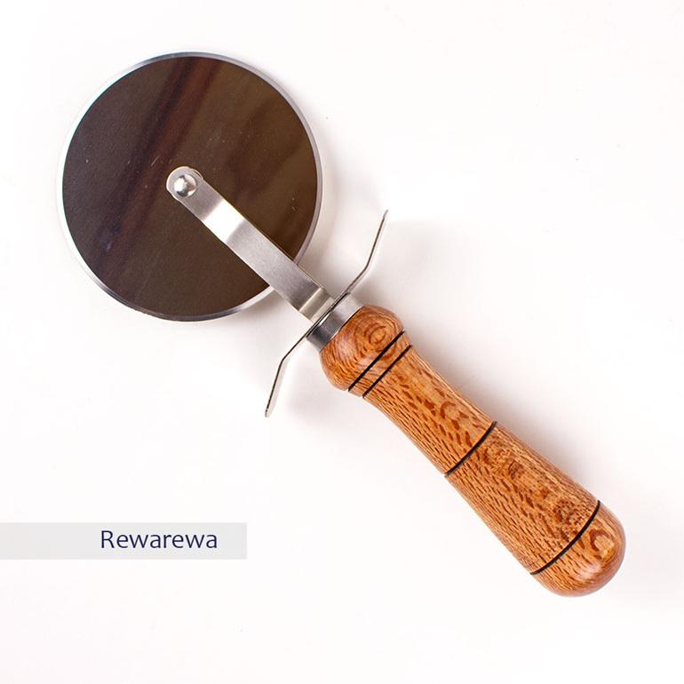 pizza cutter - rewarewa