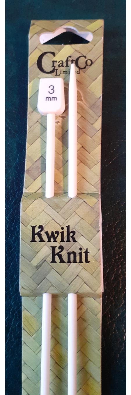 Plastic Knitting Needles - 3 mm