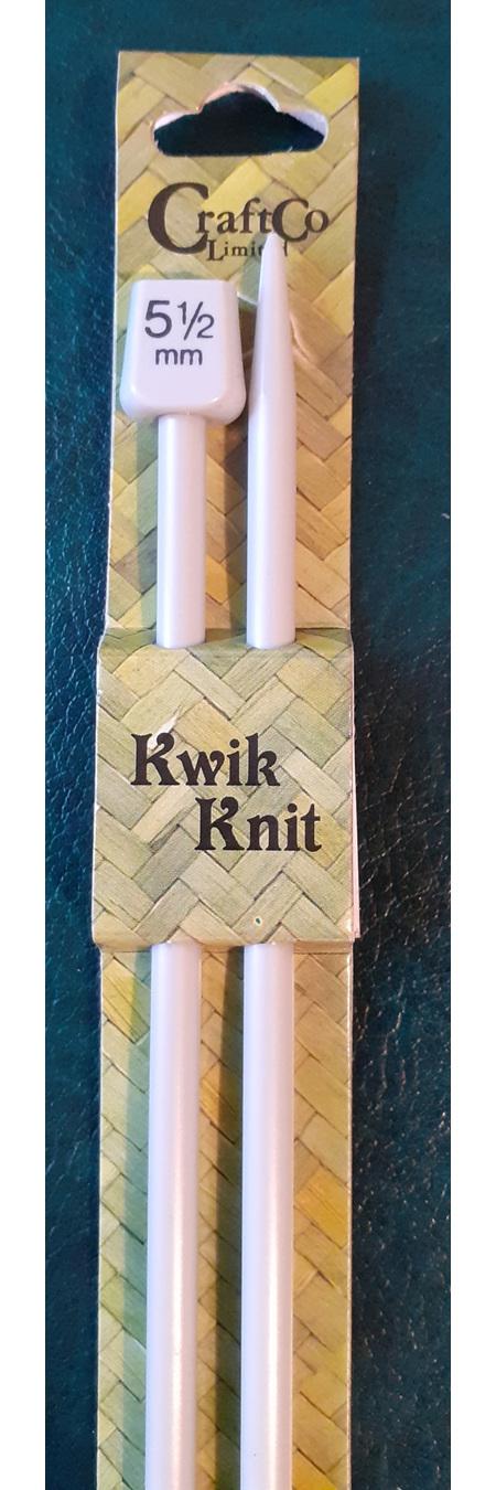 Plastic Knitting Needles - 5.5 mm