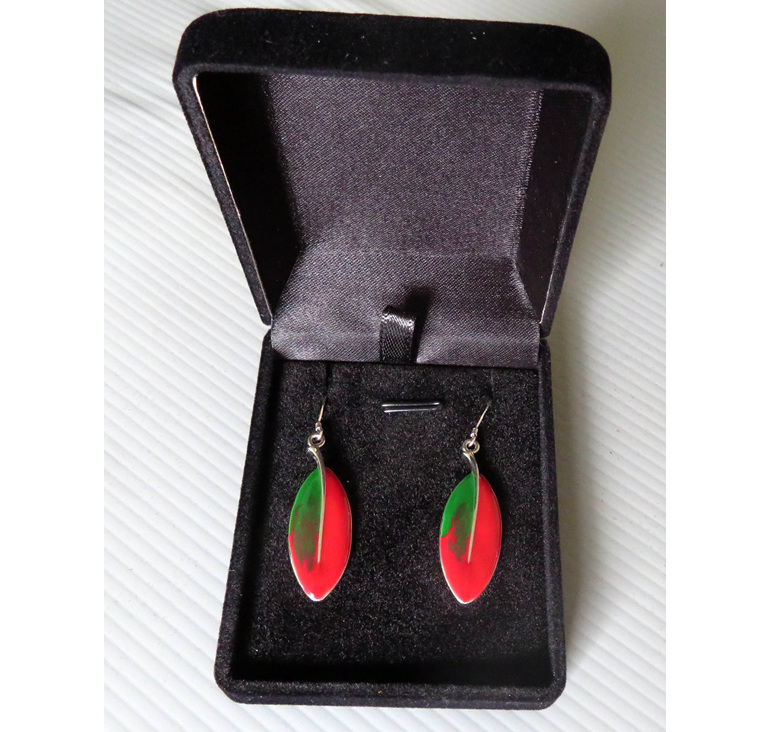 Pohutukawa leaf earrings in a jewellery box