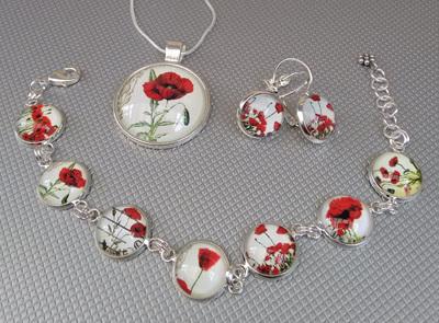 Poppy Glass Dome Bracelet