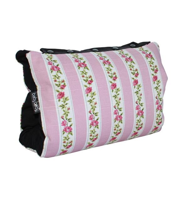 Portable BabyBaby nursing sleeve with a vintage rose print