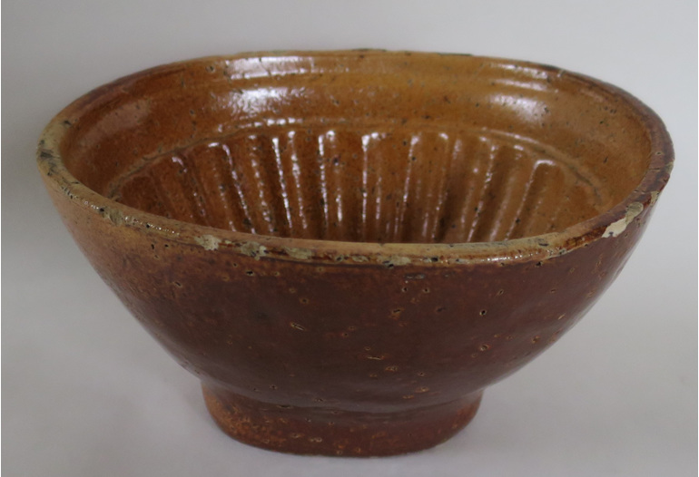 Pottery jelly mold