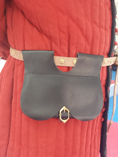 Pouch 1 - Basic Medieval Kidney Pouch