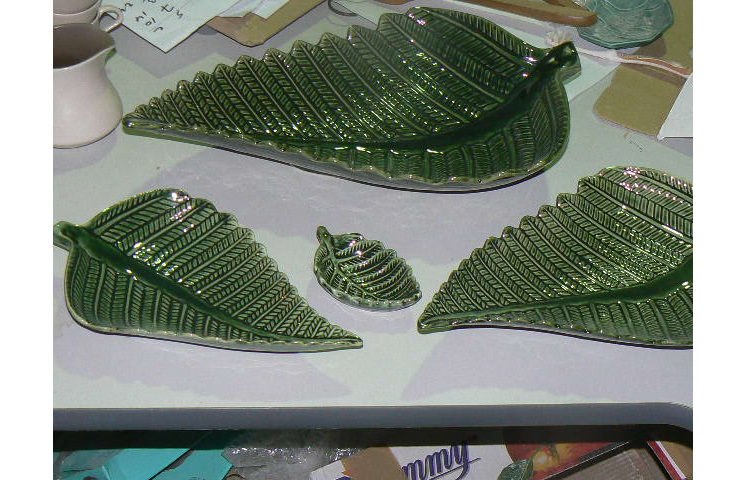 Pounamu Glaze finish- medium bowl right front