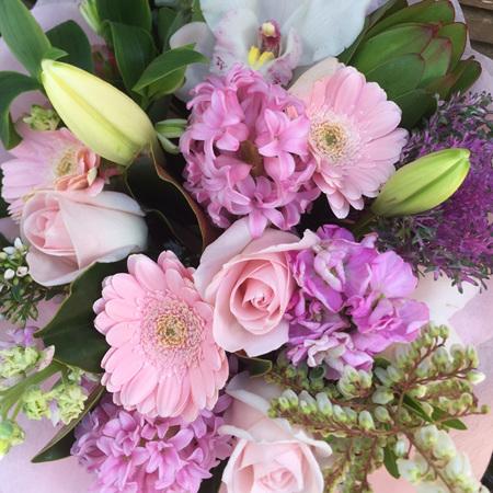 Pretty Pink/Pastel Tones  Bouquets & Posies