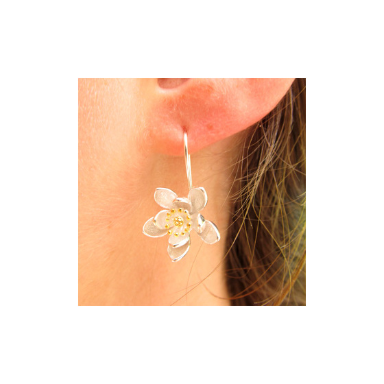 Pretty traveller's joy flower sterling silver drop earrings.