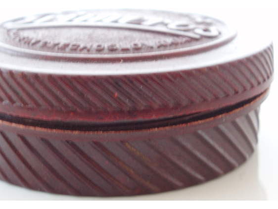 Primeros condom bakelite box