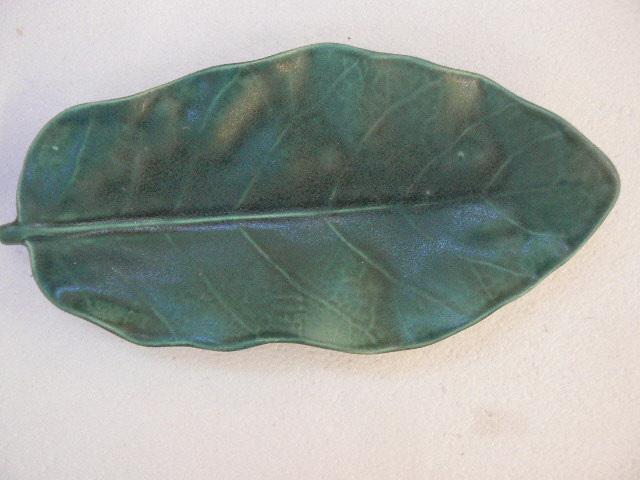 Puka leaf dish, NZ collectable ceramics