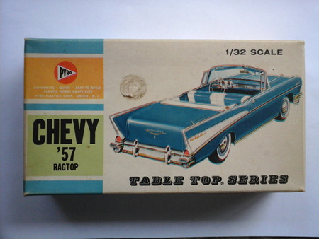 Pyro 1/32 57 Chevy Ragtop