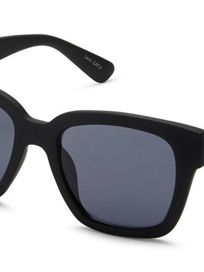 QUAY SUNGLASSES - NEERIM Black/Smoke Lense