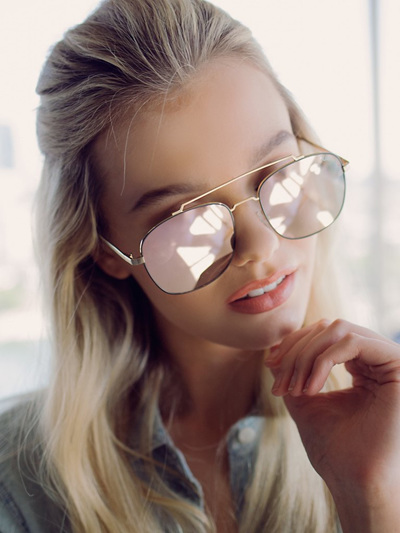 QUAY SUNGLASSES -TO BE SEEN Gold/Pink
