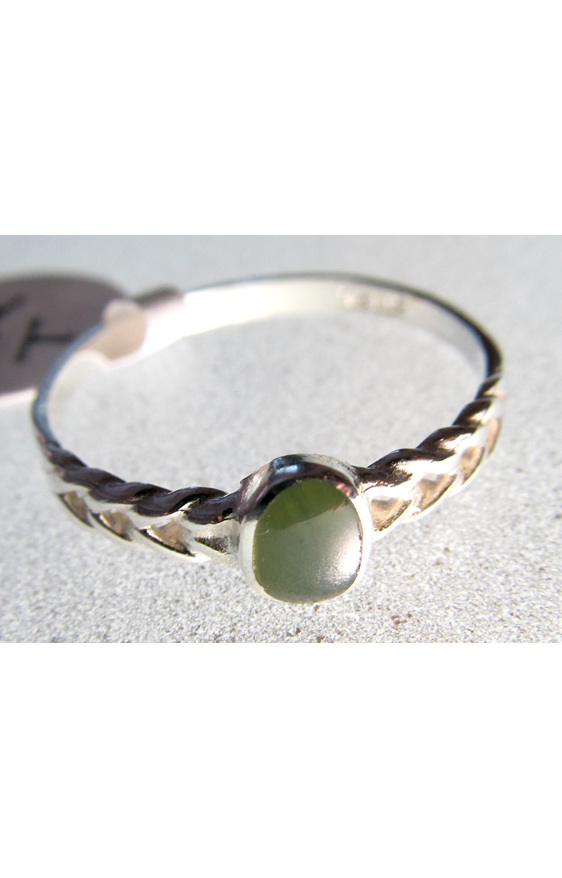 R62 Women's small round greenstone sterling silver ring