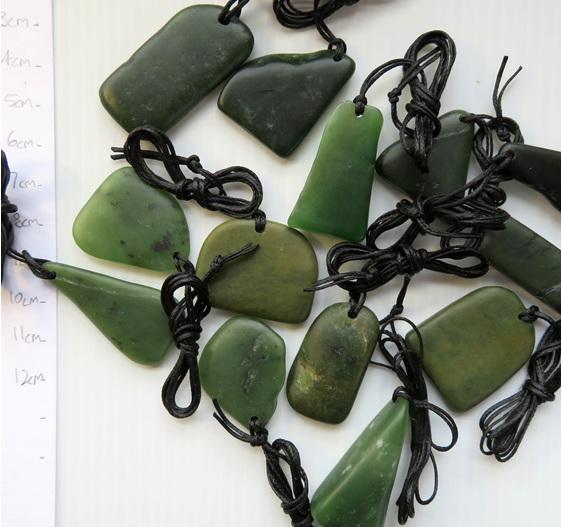 Random shapes NZ greenstone