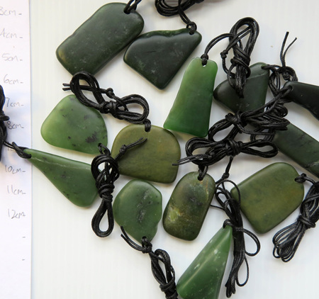 Random Shapes NZ Greenstone Necklace WS03