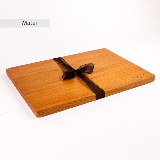 rectangle board - medium - matai 350x250x20