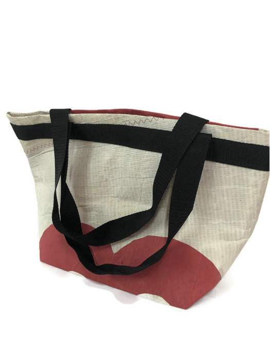 Recycled yacht sailcloth make this shopping bag unique