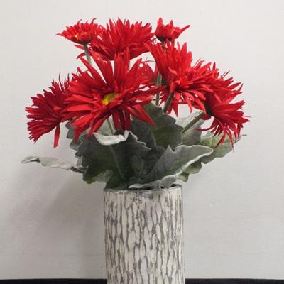 Gerbera in trunk vase 2039