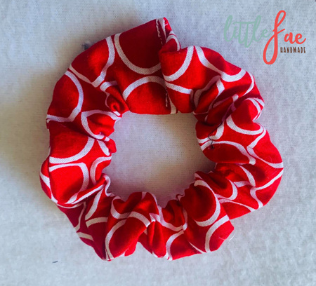 Red & White Circle Scrunchie