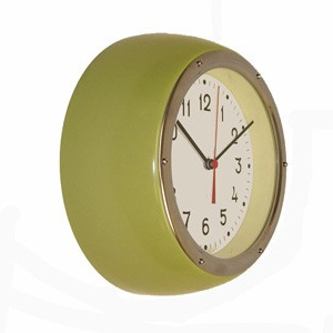 Retro Clock Pistachio Green