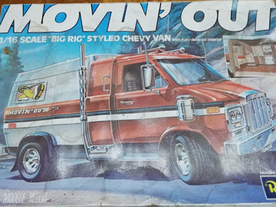 Revell 1/16 'Movin Out' Chevy Van