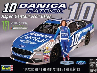 Revell 1/24 Danica Patrick Ford Fusion