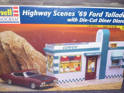 Revell 1/24 Highway Scenes 69 Talladega with Die-Cut Diner Diorama