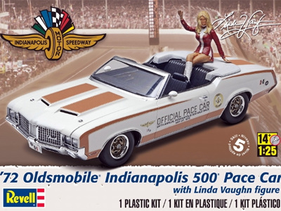 Revell 1/25 1972 Olds Indy Pace Car w/Figure