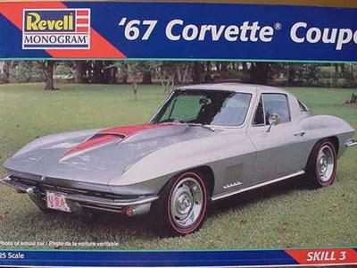 Revell 1/25 67 Corvette Coupe