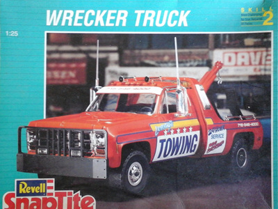 Revell 1/25 Snaptite Wrecker Truck