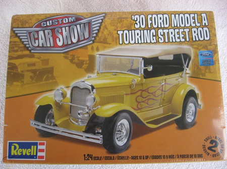 Revell 1/24 30 Ford Model A Touring Street Rod (RMX4242)