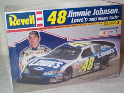Revell 1/24 Jimmie Johnson 2003 Monte Carlo
